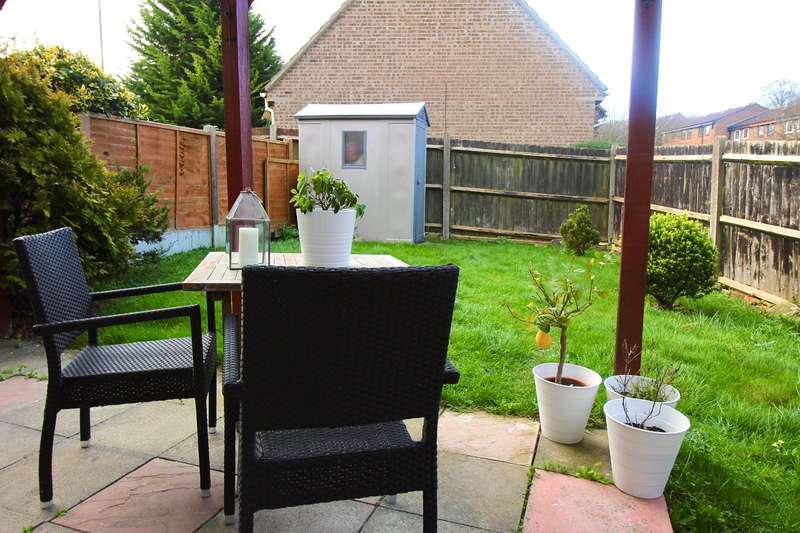 1 Bedroom Semi Detached House for sale in Flamingo Close, Chatham, Kent, ME5