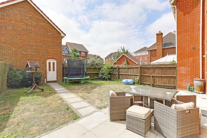 4 Bedrooms Semi Detached House for sale in Ruby Close, Sittingbourne