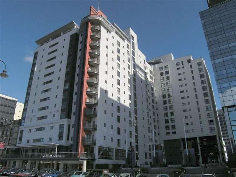 2 Bedrooms Flat for rent in Landmark Place, Cardiff City Centre
