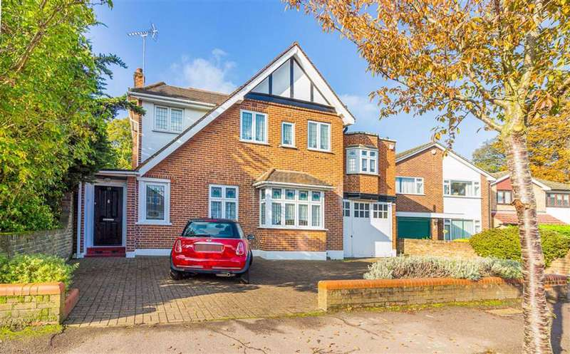 4 Bedrooms Detached House for sale in Nutter Lane, Wanstead, London