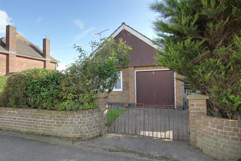 2 Bedrooms Detached Bungalow for sale in Sherwood Road, Mablethorpe