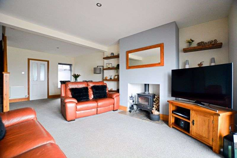 3 Bedrooms Property for sale in Prospect Row, Cleator