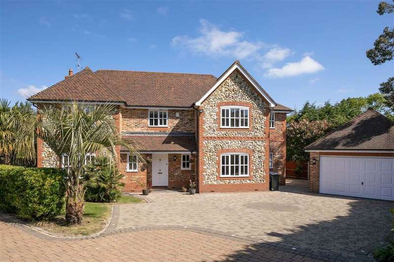 5 Bedrooms Detached House for sale in Woodgate Avenue, Northaw, Hertfordshire