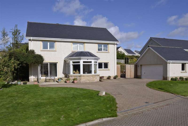 4 Bedrooms Detached House for sale in 15 Riverside Drive, Kelso
