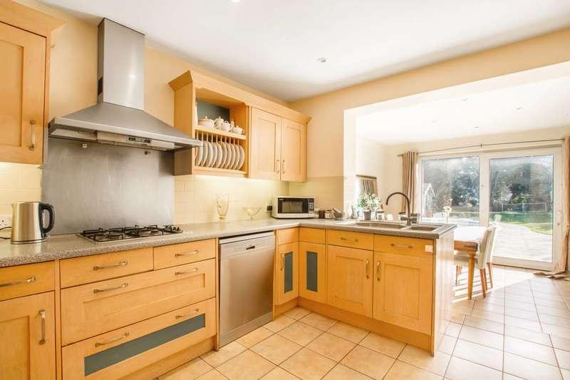 5 Bedrooms Detached House for sale in Kingwell Road, Hadley Wood, EN4