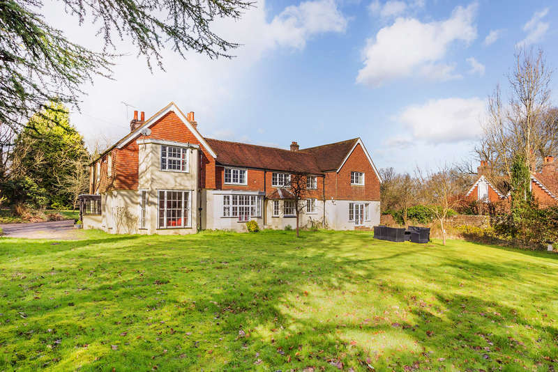 9 Bedrooms Detached House for sale in Near Lingfield, Surrey