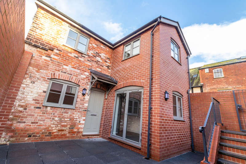 2 Bedrooms Detached House for sale in The Nook Alban House, East Street Hereford, Hereford, Herefordshire, HR1 2LW