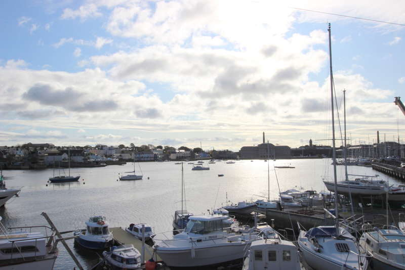 3 Bedrooms End Of Terrace House for sale in Bakers Place, Richmond Walk, Stonehouse, Plymouth, PL1 4LX