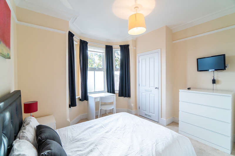 1 Bedroom House for rent in Bath Road, Reading