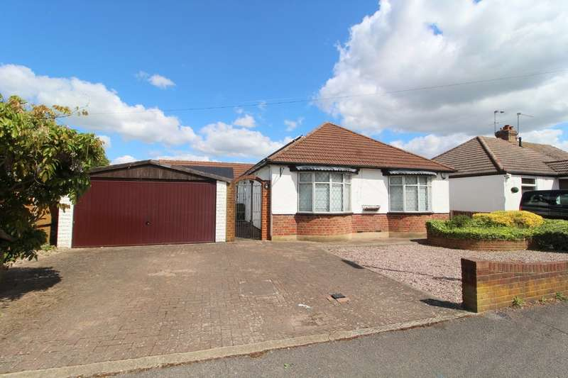 4 Bedrooms Detached Bungalow for sale in Chalmers Road, Ashford