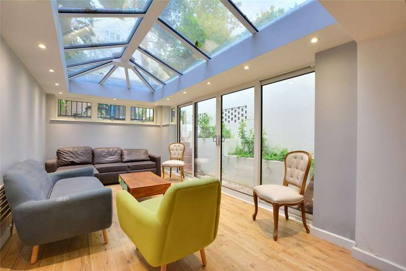 3 Bedrooms Detached House for rent in Occupation Lane, Shooters Hill, London, SE18