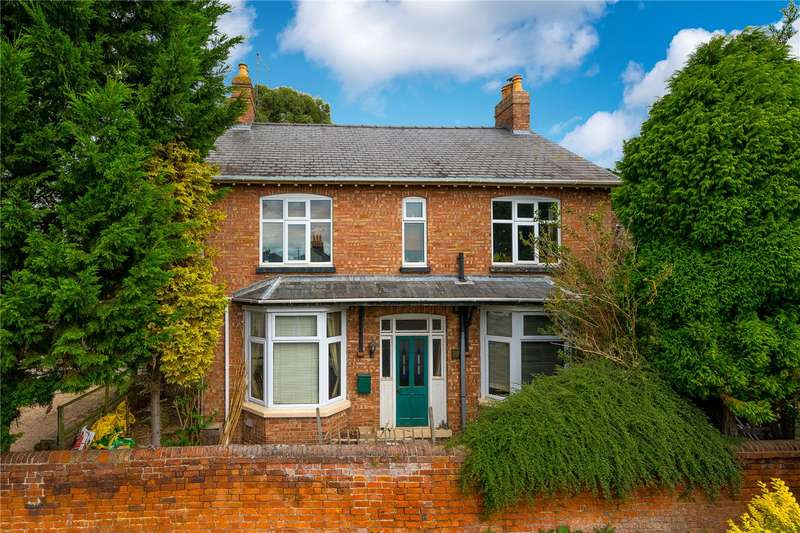 4 Bedrooms Detached House for sale in Willoughby Road, Bourne, Lincolnshire, PE10