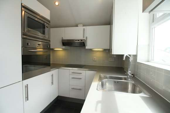 1 Bedroom Property for rent in Flat 3, 64 Ebury Road