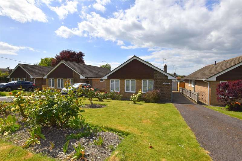 3 Bedrooms Detached Bungalow for sale in Manor Road, Upper Beeding, Steyning, BN44