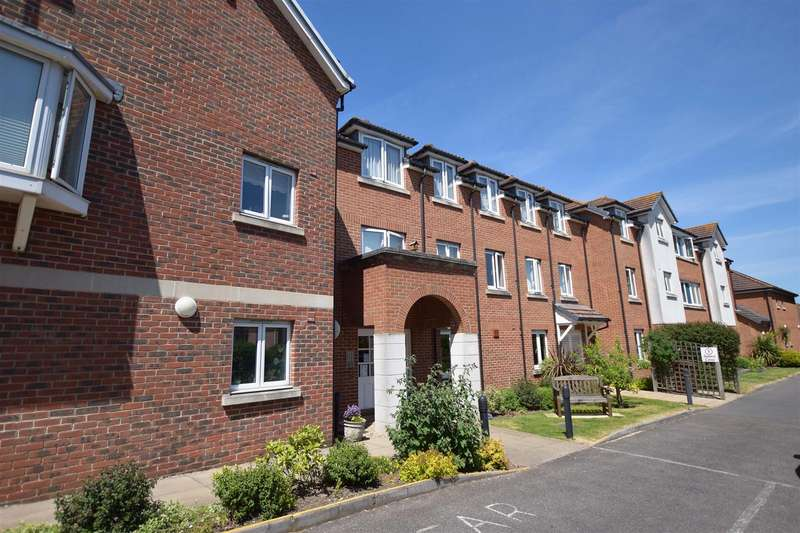 1 Bedroom Apartment Flat for sale in Appletree Court, High Street, Rainham, Gillingham