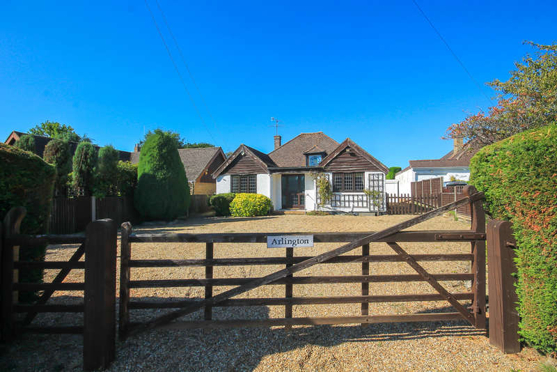 3 Bedrooms Chalet House for sale in Crowhurst Road, Crowhurst