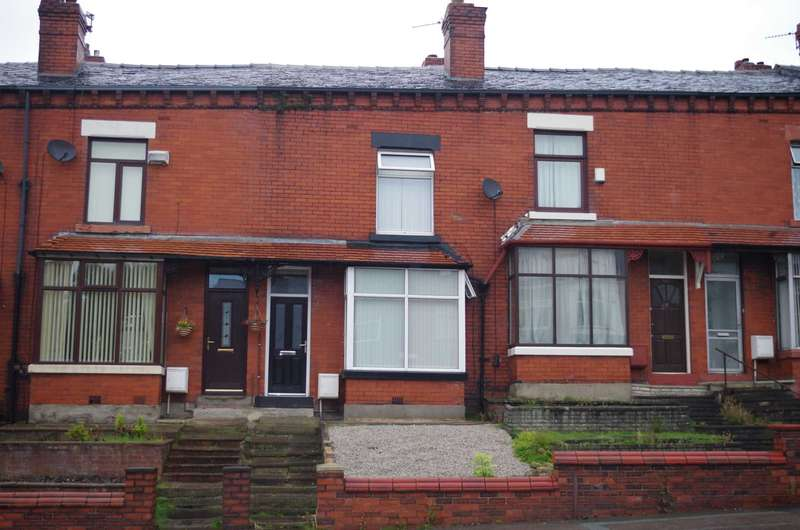 3 Bedrooms House Share for rent in Bury Road, Bolton