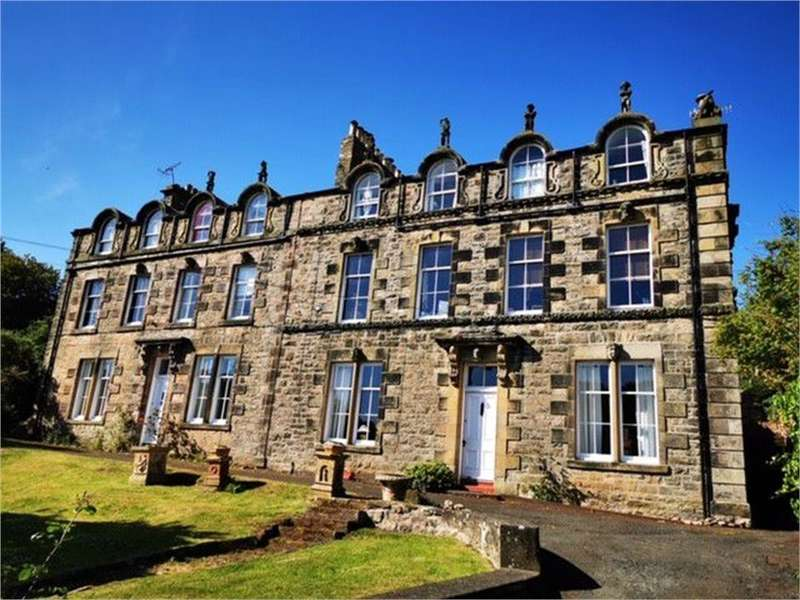 3 Bedrooms Flat for sale in 202a Main Street, Spittal, BERWICK-UPON-TWEED, Northumberland