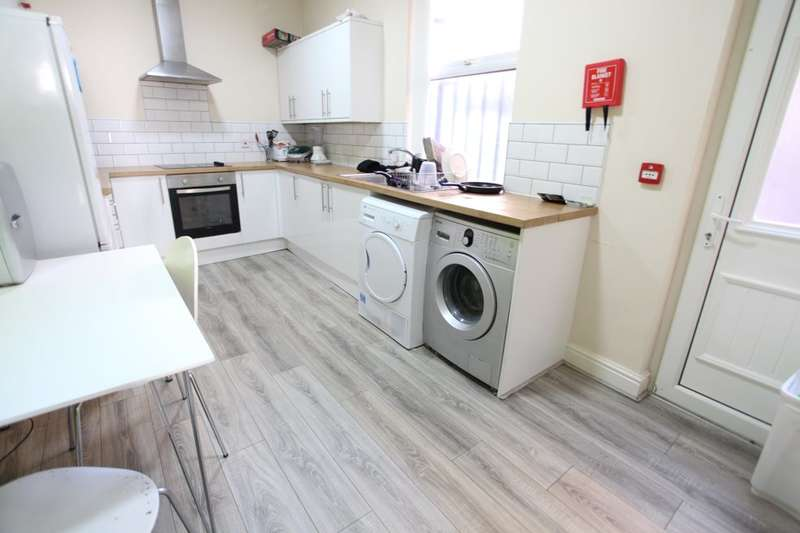 8 Bedrooms Terraced House for rent in Wavertree Road, L7 1PE,
