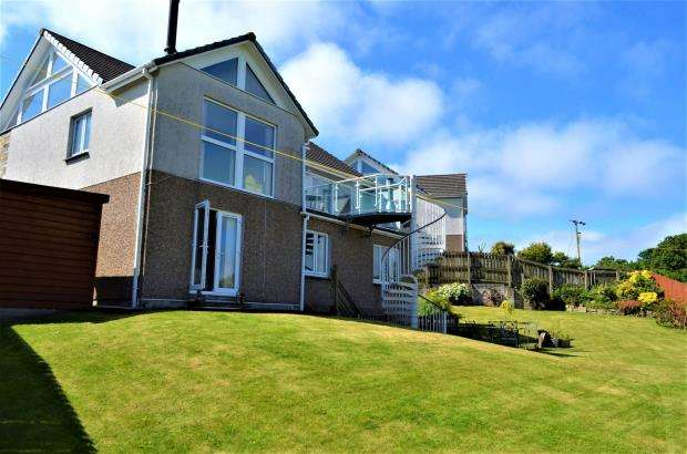 4 Bedrooms Detached House for sale in Crembling Well, Barncoose, Redruth, Cornwall