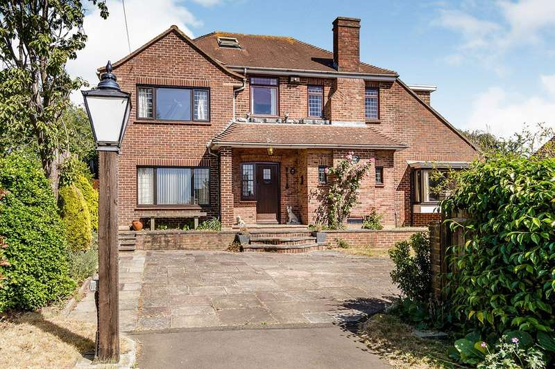 4 Bedrooms Detached House for sale in Danson Road, Bexleyheath, DA6