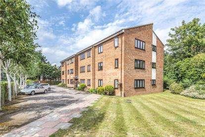 Flat for sale in Gable Lodge, Beckenham Road, West Wickham