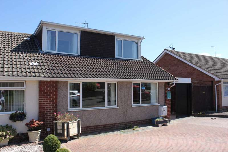 3 Bedrooms Bungalow for sale in Harewood Close, Tuffley