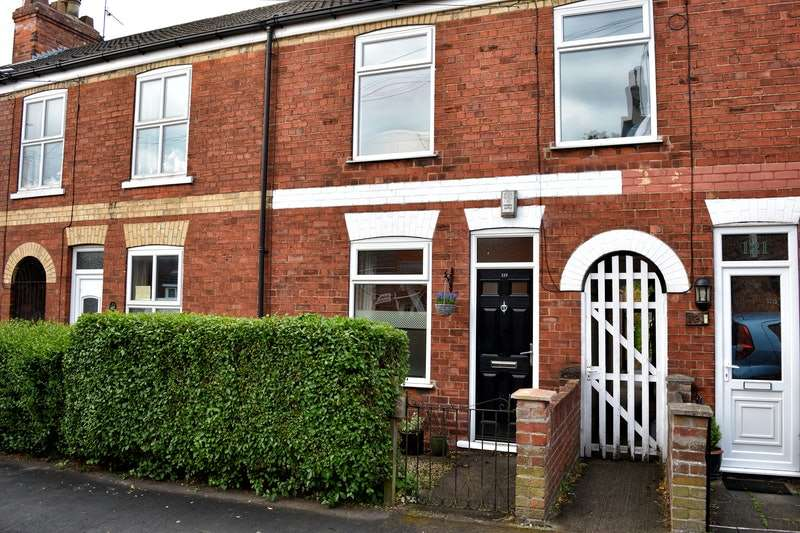3 Bedrooms Terraced House for sale in Finkle Street, Cottingham, East Yorkshire, HU16