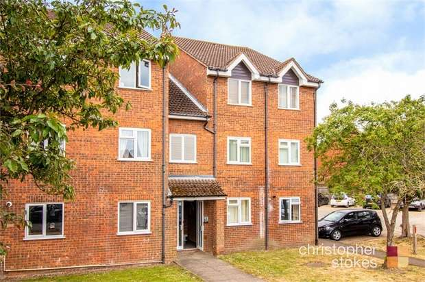 1 Bedroom Flat for sale in Cranleigh Close, Cheshunt, Waltham Cross, Hertfordshire