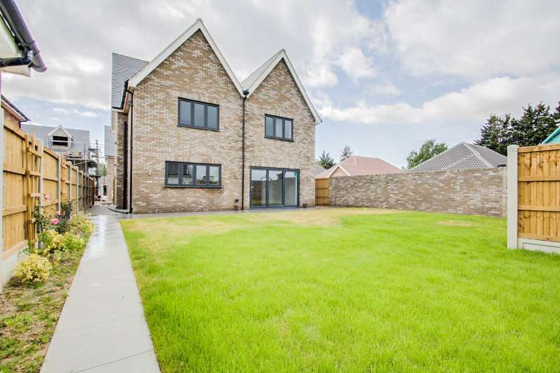4 Bedrooms Detached House for sale in Melinda Lane, off St Johns Road, Clacton-on-Sea