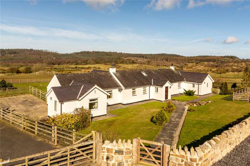 3 Bedrooms Detached House for sale in Llansadwrn, Menai Bridge, Anglesey, LL59