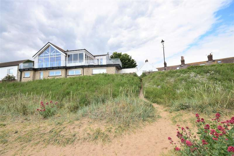 4 Bedrooms Semi Detached House for sale in Pebble Beach, Whitburn, Sunderland