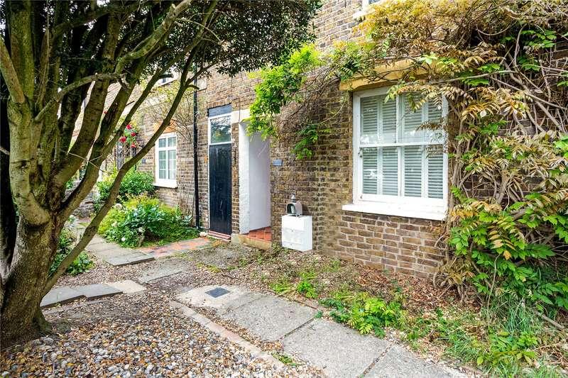 4 Bedrooms Terraced House for sale in Oak Lane, Windsor, Berkshire, SL4