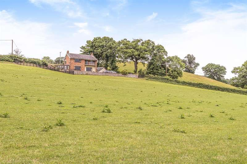 3 Bedrooms Detached House for sale in Coed-Y-Fron, Llanrhaeadr, Denbighshire, LL16 4PG