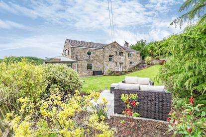 5 Bedrooms Detached House for sale in Duckshaw Road, Off Bury Fold Lane, Darwen, Lancashire