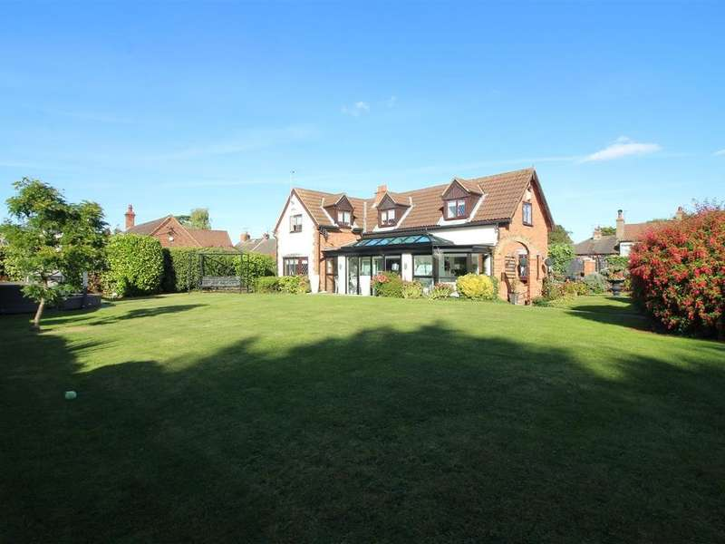 3 Bedrooms Detached House for sale in Main Street, Willerby, Hull, HU10