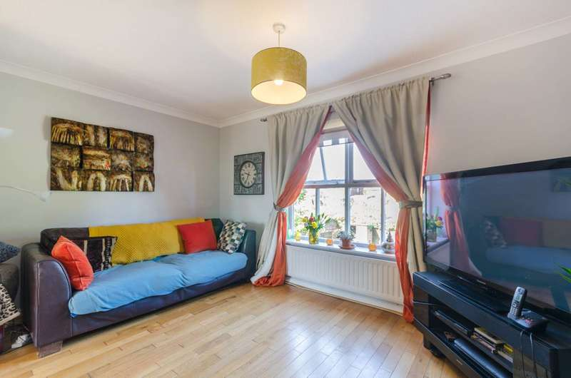 3 Bedrooms Terraced House for sale in Munslow Gardens, Sutton, SM1