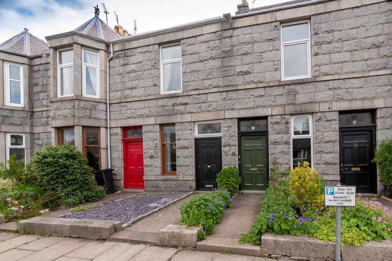 4 Bedrooms Flat for sale in Camperdown Road, Aberdeen, AB15 5NU