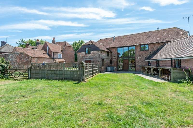 6 Bedrooms Barn Conversion Character Property for sale in Manchester Road, Ninfield, East Sussex, TN33
