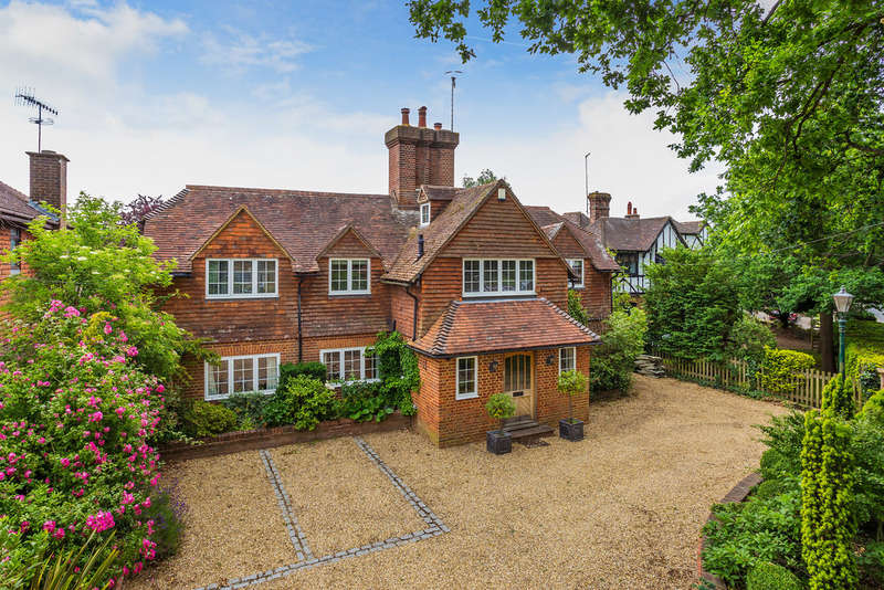 5 Bedrooms Detached House for sale in Crouch House Road, Edenbridge, TN8