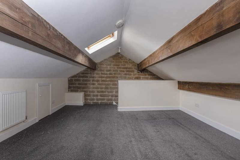 1 Bedroom Flat for rent in The Attic, North Road, Kirkburton