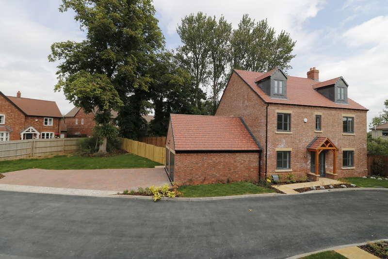 5 Bedrooms Detached House for sale in Raunstone Grange, Ravenstone