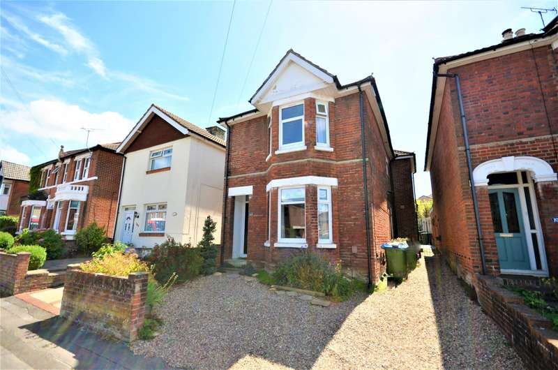 3 Bedrooms Detached House for sale in Oaktree Road, Southampton, SO18