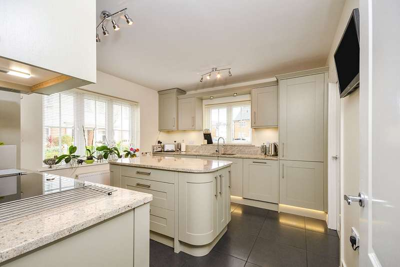 4 Bedrooms Semi Detached House for sale in Leonard Gould Way, Loose, Maidstone, Kent, ME15