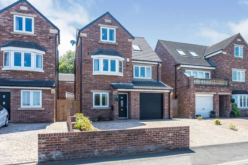 4 Bedrooms Detached House for sale in Wheldon Road, Castleford, West Yorkshire, WF10