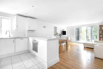 2 Bedrooms Flat for sale in Molvic Court, 2A Beckenham Road, Beckenham