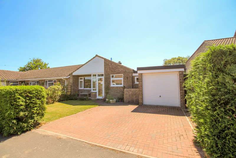 3 Bedrooms Detached Bungalow for sale in Strollers Way, Stetchworth