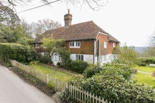 4 Bedrooms Detached House for sale in Castle Hill, Rotherfield, East Sussex