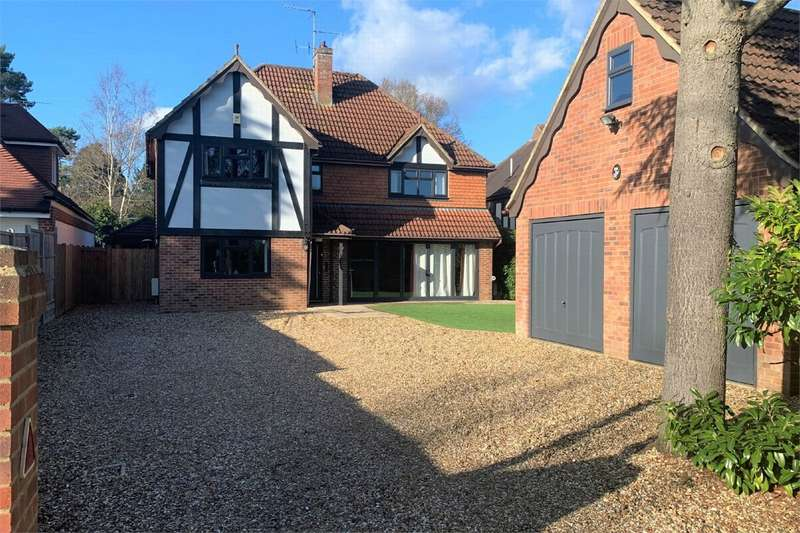 4 Bedrooms Detached House for sale in Ambleside Road, LIGHTWATER, Surrey