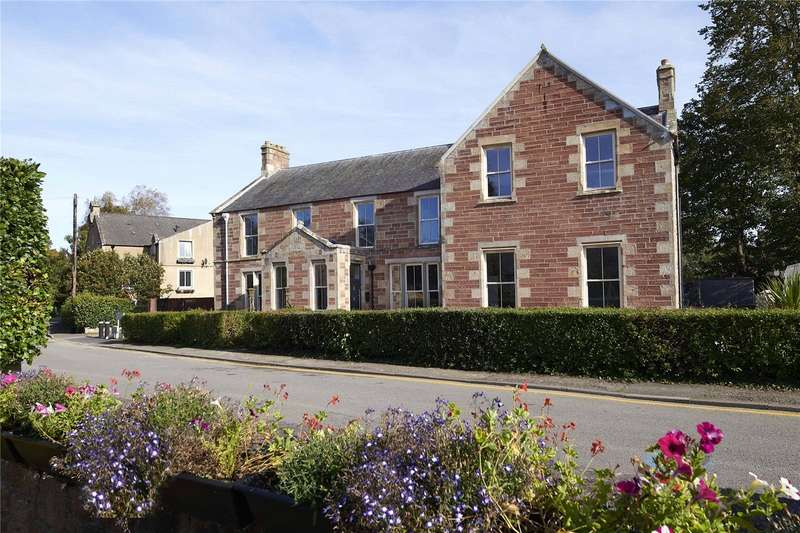 2 Bedrooms Apartment Flat for sale in Slioch House - Apartment 3, Castle Street, Dingwall, IV15